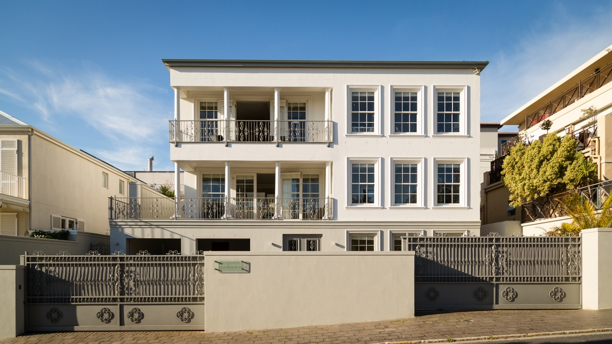 21 The Meadway Camps Bay