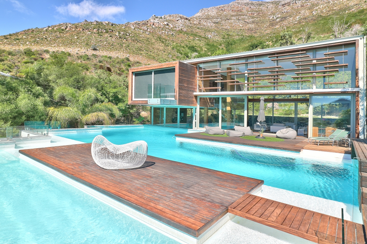 Spa House 18 Suzanne Avenue Hout Bay