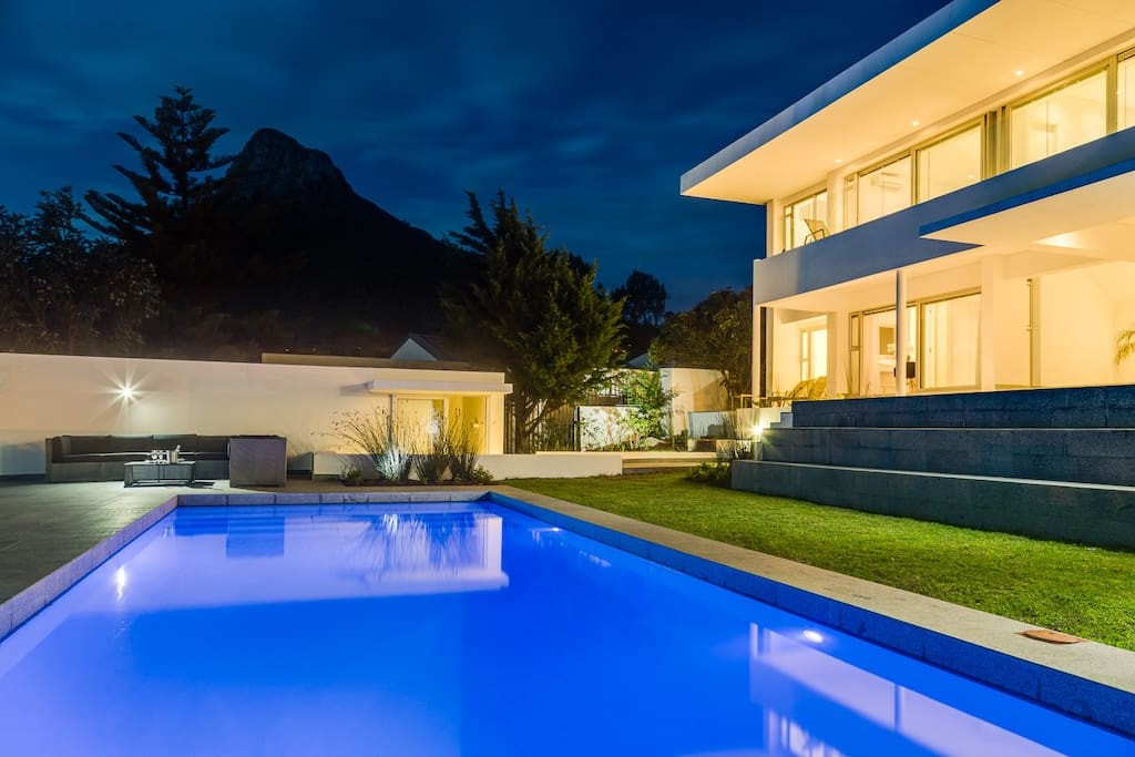 Villa Maxima Comrie Road Camps bay