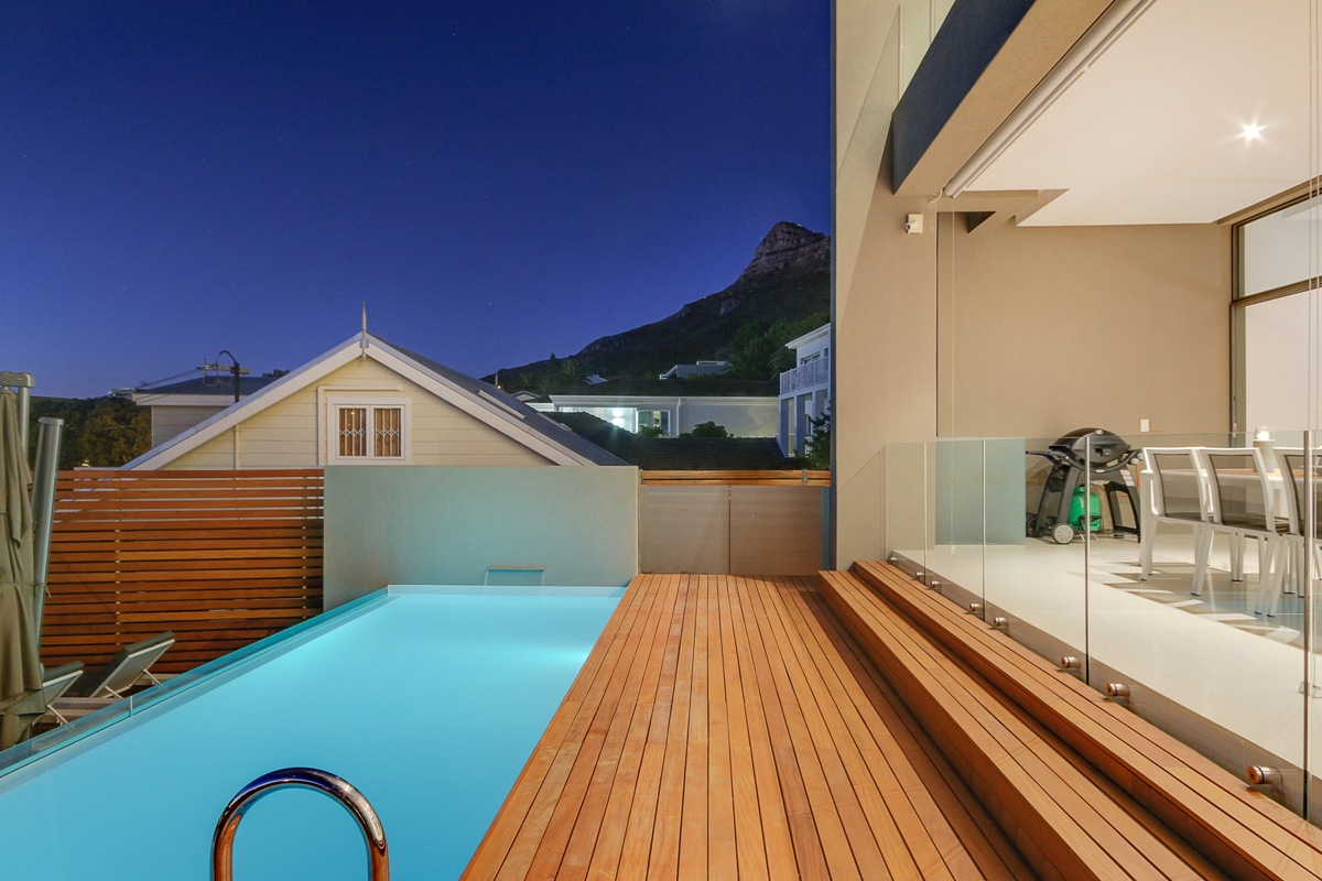 HARRIER PLACE CAMPS BAY